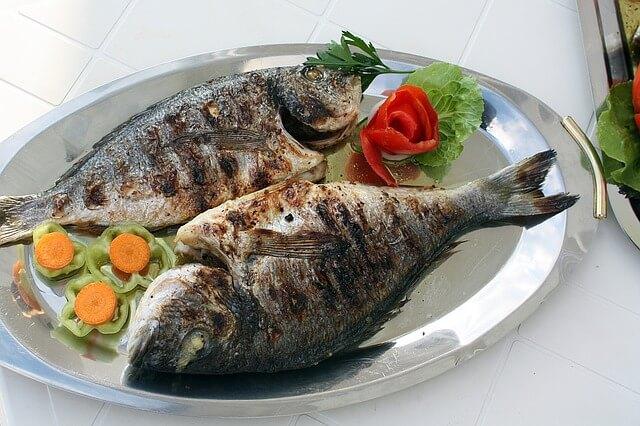 Fisch statt rotem Fleisch in der Mediterranen Diät