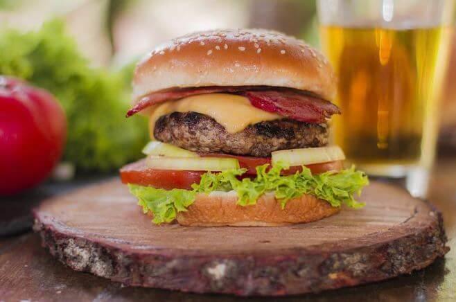 Junk Food ist gut für einen langsameren Stoffwechsel