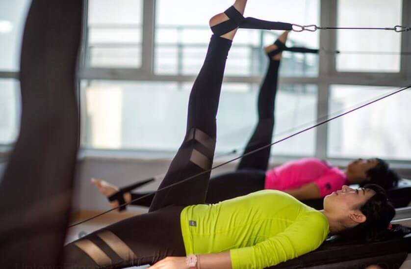 Verschiedene Arten von Pilates