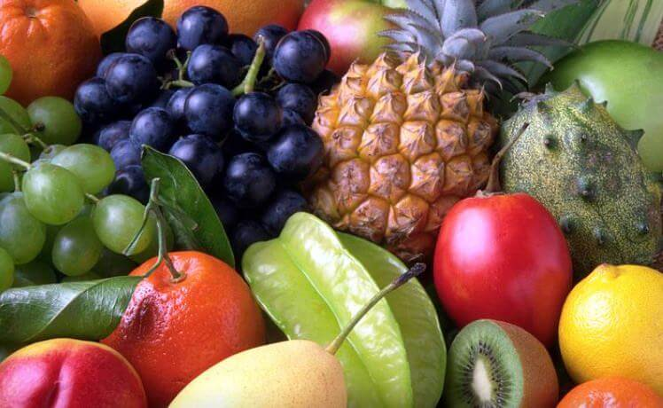 Buttermilch mit Obst