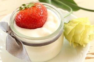 Erbeeren im Joghurt
