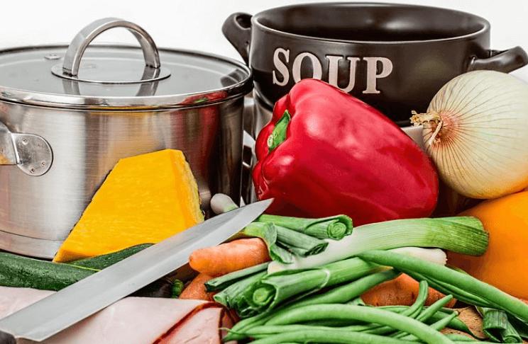Rank und schlank dank der Suppen Diät