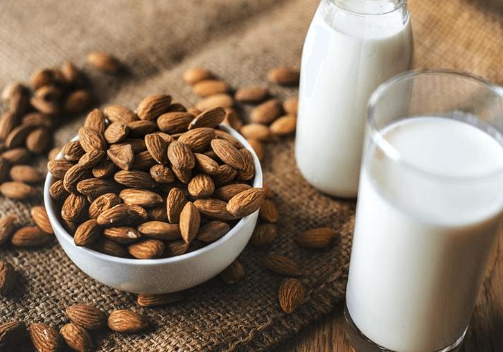 Mandelmilch in Bio-Qualität